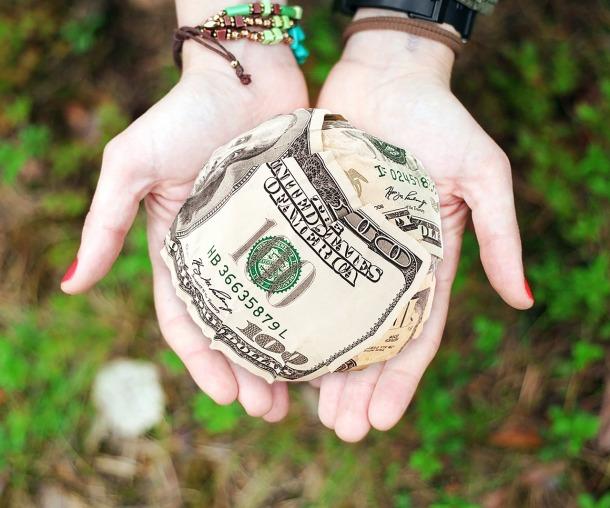money-652560_1280-1