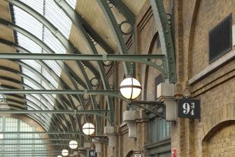 train-station-724090_1920.jpg