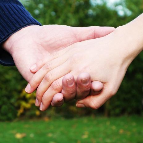 hands-269286_1280.jpg